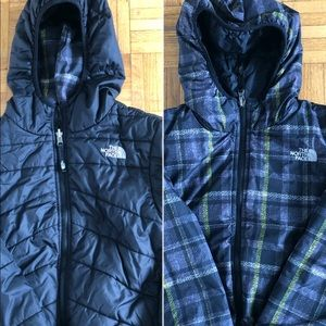 Boys The North Face Black Reversible Puff Jacket M